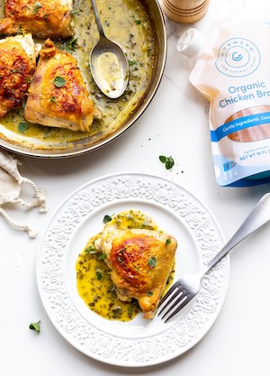 Low FODMAP Skillet-Roasted Chicken with Lemon Sauce